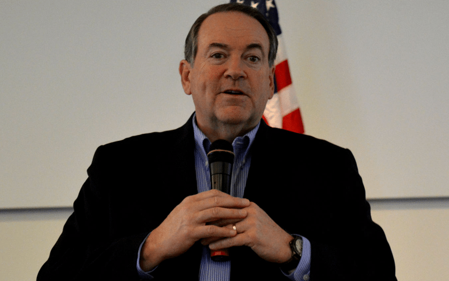 Mike Huckabee says dogs should be offended to be compared to Omarosa
