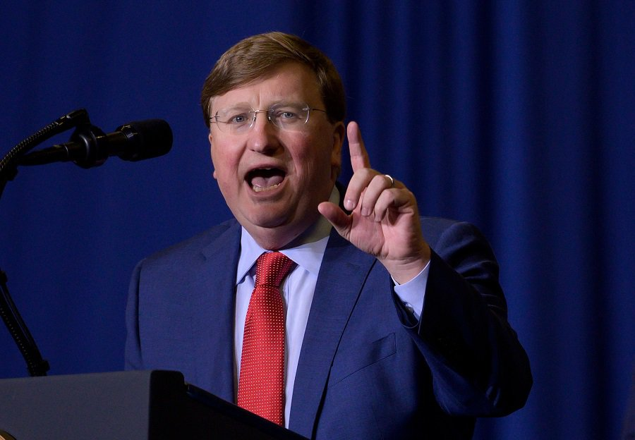 Tate Reeves congratulates Harry azcrac