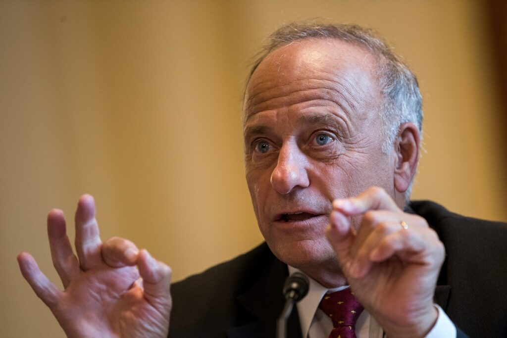 Steve King says George Soros is the anti-Semitic one