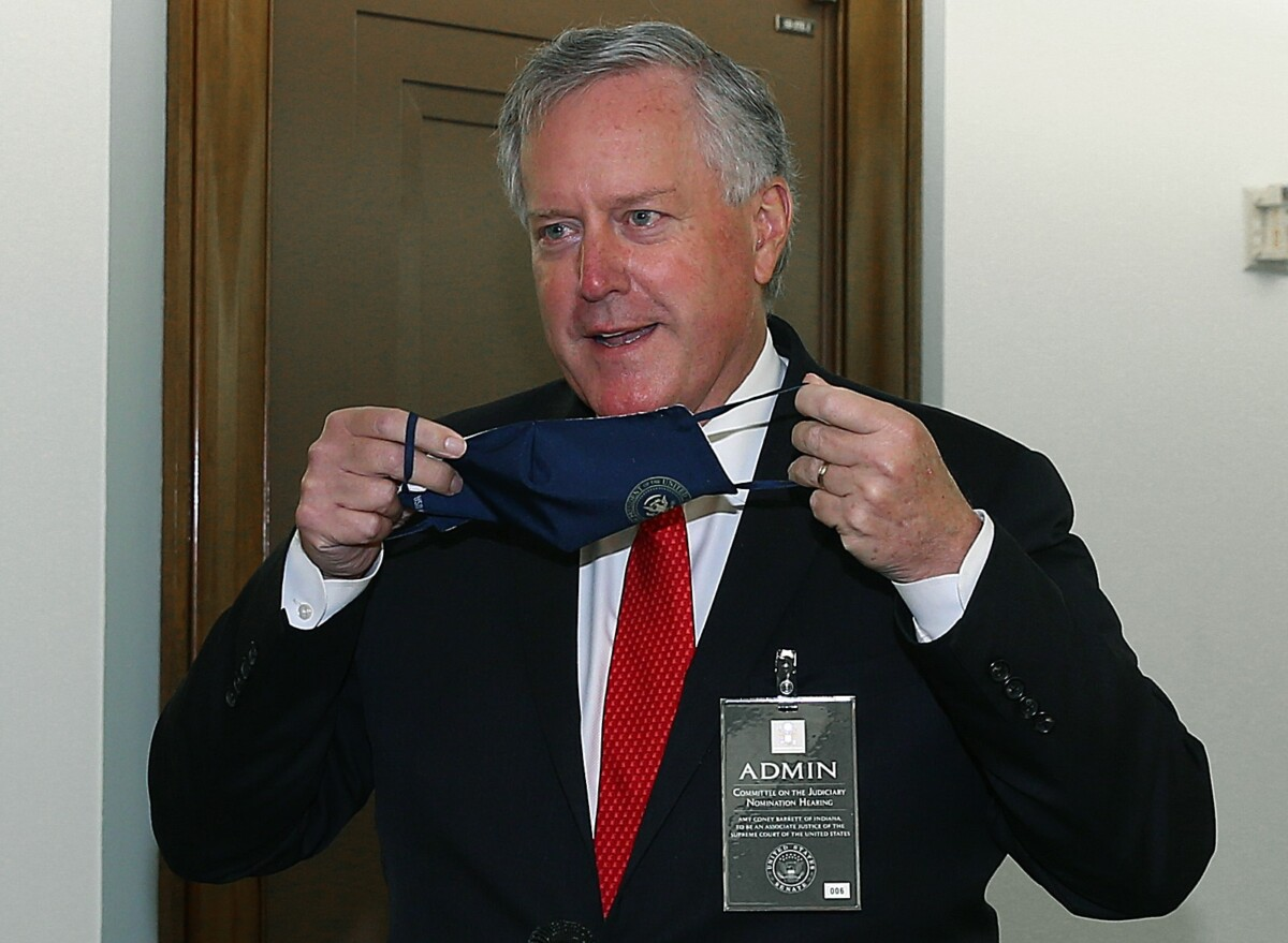 Mark Meadows refuses to wear mask